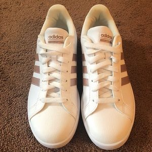 Women's Adidas Shoes Size 10